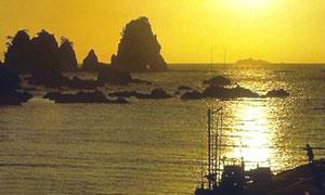 Crépuscule sur les îles